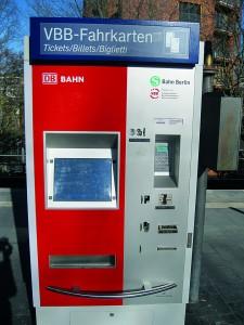 in Zukunft historisch: der Fahrkartenautoma.