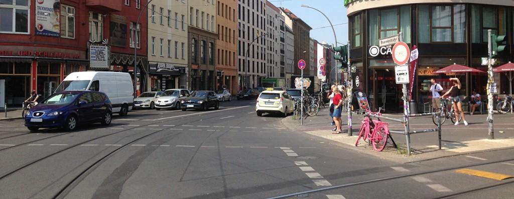 Radspur endet am Rosenthaler Platz