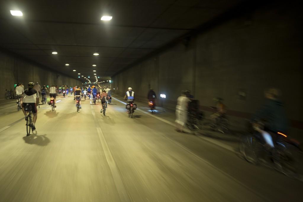 Pfeifen und Johlen im Britzer Tunnel